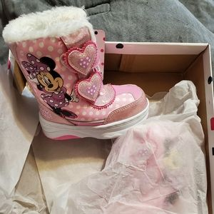 Minnie mouse snow boots